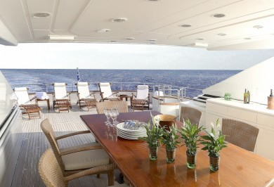 Let it Be Aft Deck Alfresco Dining