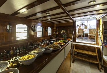 Luxury Charter Gulet LIBRA Bar