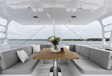 CALMAO Flybridge Seating