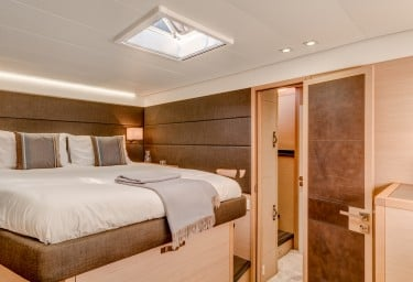 GALUX ONE Guest Double Cabin