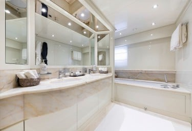 FERDY Master Bathroom