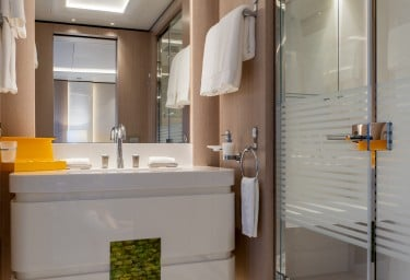 O'PARI VIP Suite Bathroom