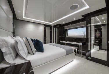 BERCO VOYAGER Guest Cabin