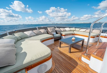 CHERISH Flybridge Seating Forward