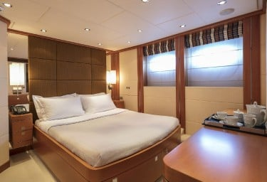 L'EQUINOX Guest Double Cabin