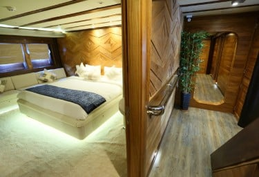LAMIMA Guest Double Cabin