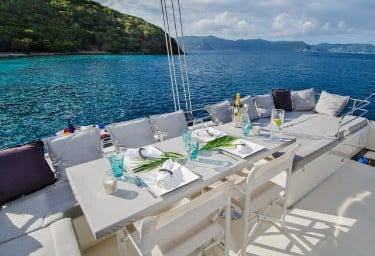 ALTESSE Flybridge Dining