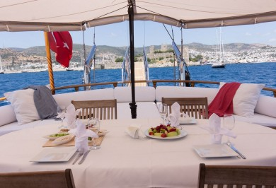 Luxury Charter Gulet ATALANTE Aft Deck Dining