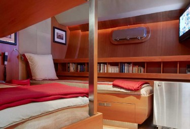Luxury Charter Sailing Yacht SILVERTIP Twin Cabin