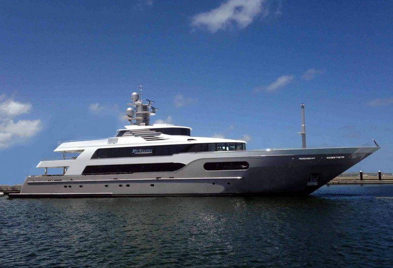 Motor Yacht Seanna in the Caribbean - Luxury Charter Group