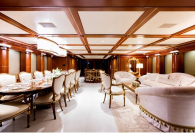 Luxury Charter Yacht MY Seanna Main Saloon