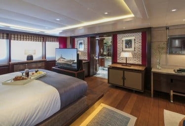 PEGASUS Master Suite Main Deck