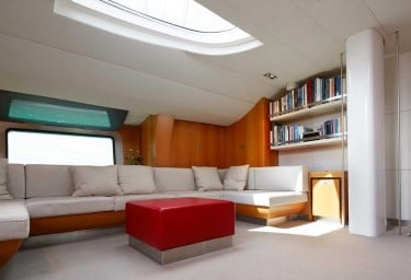 Luxury Charter Sailing Yacht SILVERTIP Saloon Lounge