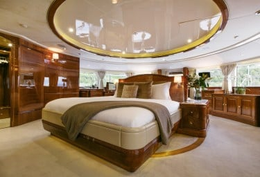 Luxury Charter Yacht SOVEREIGN Master Stateroom