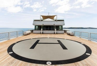 Luxury Expedition Yacht SURI Helipad