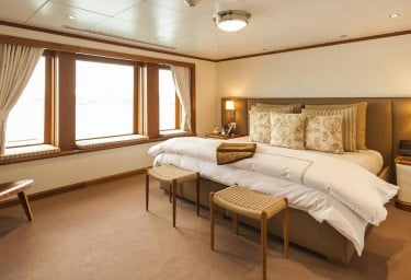 Luxury Expedition Yacht SURI Master Suite