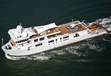Luxury Expedition Yacht SURI Underway