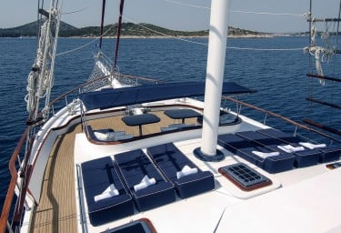 Luxury Motor Sailer AURUM Sun Pads Forward
