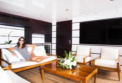 Luxury Charter Yacht MY SEANNA Beach Club