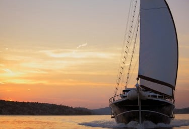 Luxury Yacht AURUM Underway Bow