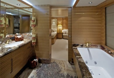 Luxury Charter Yacht MIA RAMA VIP Ensuite Bathroom