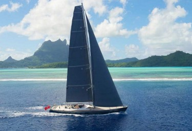 Luxury Charter Yacht SILVERTIP Sailing