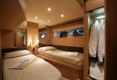 BLUE ANGEL Guest Twin Cabin