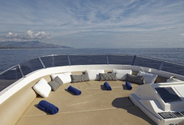 ENJOY Sun Pads on the Flybridge