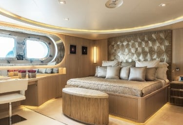 LIGHT HOLIC Guest Double Cabin
