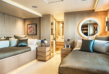 LIGHT HOLIC Guest Twin Cabin