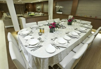 M/Y OURANOS Formal Dining