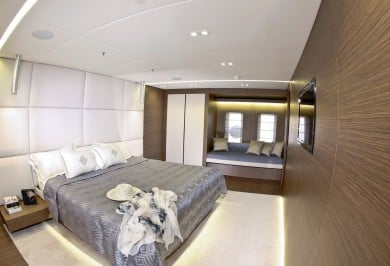Charter Yacht OURANOS Master Stateroom