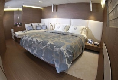 Charter Yacht OURANOS VIP Stateroom