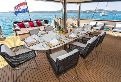 Luxury Yacht NAVILUX Alfresco Dining Setting