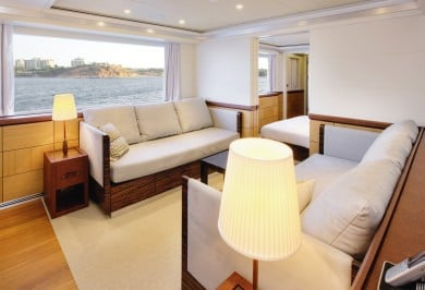 Quaranta Aft Port Suite