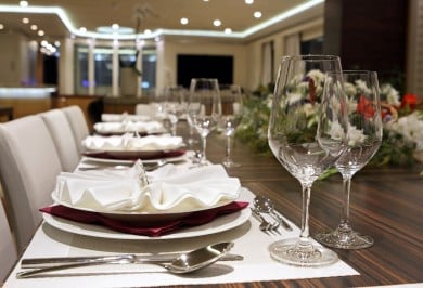 Quaranta Table Setting