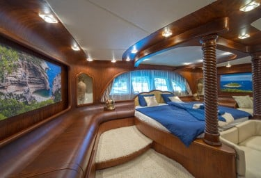 ALBA Master Cabin Looking Aft