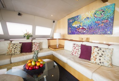 Luxury Catamaran KINGS RANSOM Main Saloon Decor