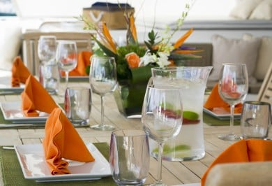 Sailing Catamaran KINGS RANSOM Alfresco Dining Setting