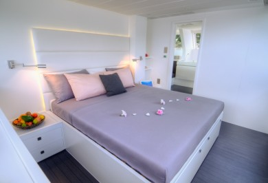 Sailing Catamaran LEVANTE Master Suite