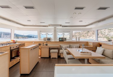 Sailing Catamaran MOYA Saloon