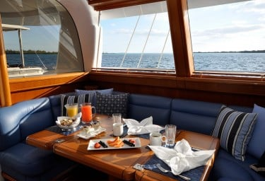 Sailing Yacht HYPERION Breakfast Setup