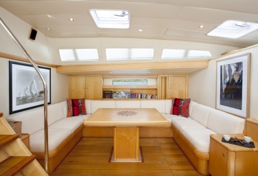 Luxury Charter Sailing Yacht OCEANS SEVEN2 Saloon Port Settee