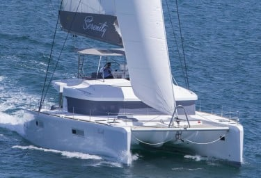 Charter Catamaran SERENITY Eased Sheets