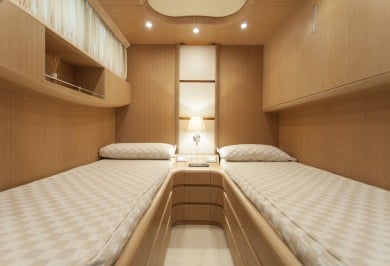 Luxury Yacht SANDS Twin Cabin with Pullman
